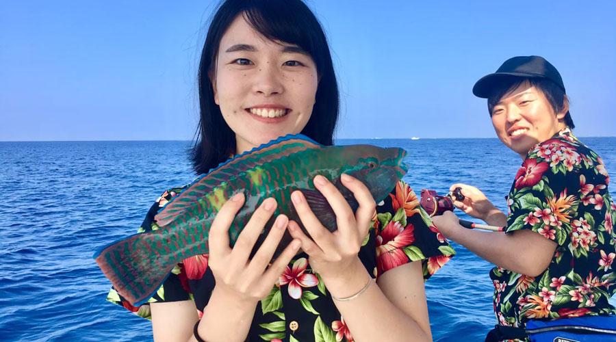 在冲绳体验船钓